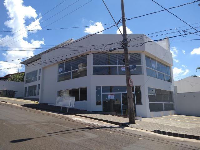 Loja 190m² na Rua Felisberto Carrijo próximo à Av. Rondon Pacheco