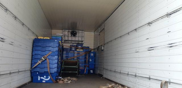 Vendo Ford cargo 816 S BAÚ - Foto 6