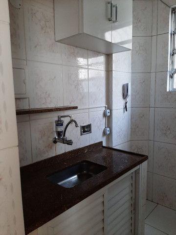 Apartamento lindo no centro aceito deposito de 1 mes direto com o proprietario  - Foto 6