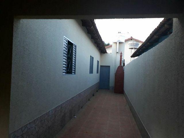 Vende-se esta  casa com ótimo preço  - Foto 4