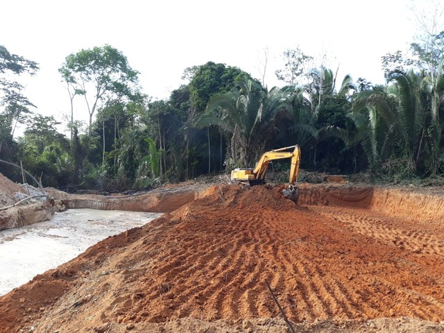Escavadeira  - Foto 4