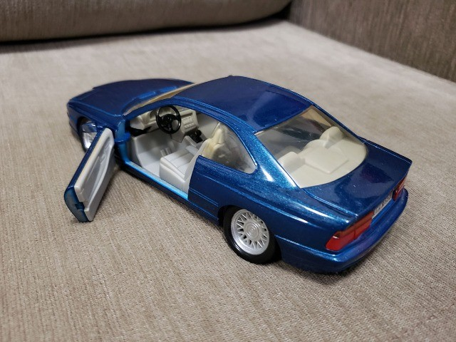 Miniatura de Coleção BMW 850i - Foto 4