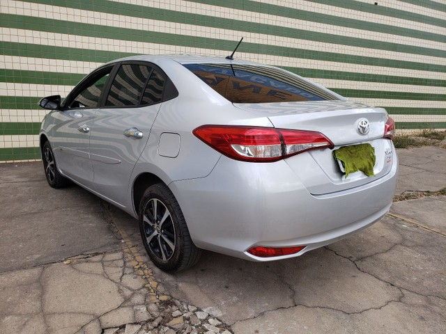 Toyota yaris sedan xls com teto completo todo original de fábrica  - Foto 4