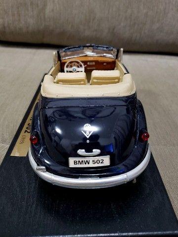 Miniatura Carro de Coleção BMW 502 (1955) Escala 1/18 - Foto 3