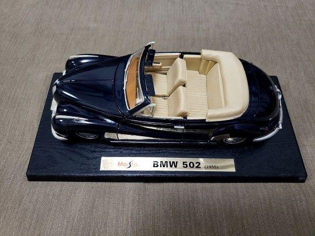 Miniatura Carro de Coleção BMW 502 (1955) Escala 1/18 - Foto 4