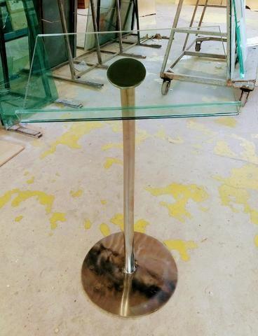 Púlpito de Aço Inox e Vidro (modelo de 01 haste) + Mesa de Inox e Vidro