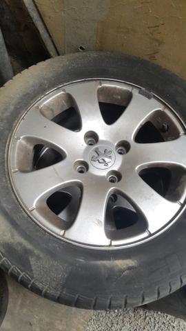 Jogo rodas originais 307 com pneus
