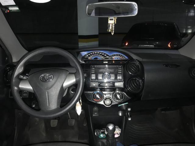 ETIOS Sedan Preto 1.5 X - Foto 5