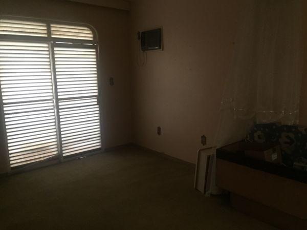 Casa sobrado com 4 quartos - Bairro Setor Marista em Goiânia - Foto 15
