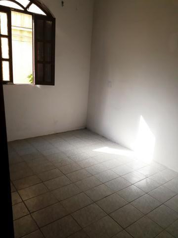 2/4, casa ampla, varanda, garagem, próximo a Praia! Pituaçu! - Foto 3