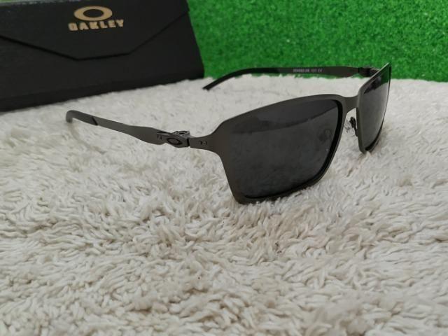 Óculos Oakley todo preto de metal - Bijouterias, relógios e ... acab51dd4d