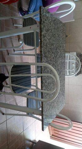Mesa de Mármore para 6 cadeiras sem as cadeiras
