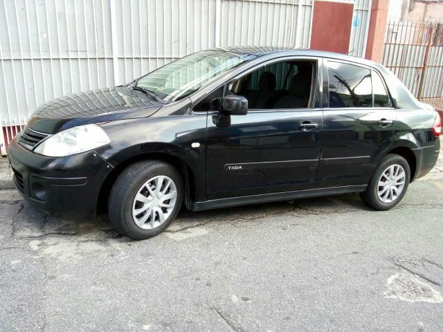 Nissan Tida Sedan - Foto 2
