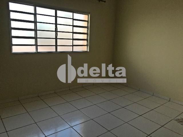 Apartamento para alugar com 3 dormitórios em Centro, Uberlandia cod:603197 - Foto 3