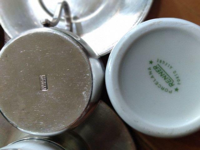 Jogo Xícaras porcelana e prata 90 antiquidade relíquia - Foto 2