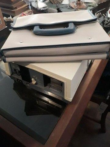 Projetor de slides com carretel e controle remoto  - Foto 4