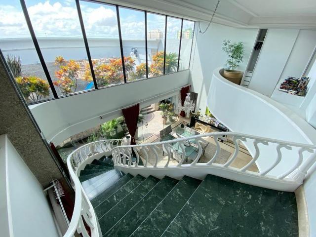 Cobertura espetacular com 495 m² privativos e 6 vagas de garagem