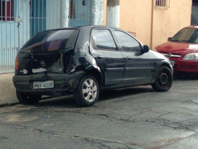 Chevrolet Celta 2005 1.0 Life 5p - Azul (batido parte traseira)