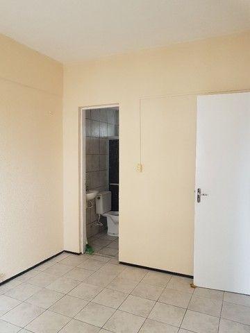Apto. Parangaba, 3 quartos, R$ 1000, sem condomínio em frente ao Terminal da Lagoa - Foto 17