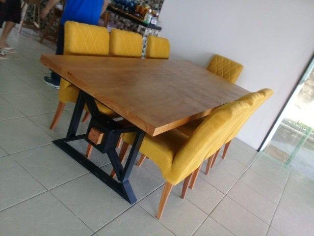 Mesa madeira 5 cm espessura e estrutura metálica. Nova, aceitamos cartão de crédito.