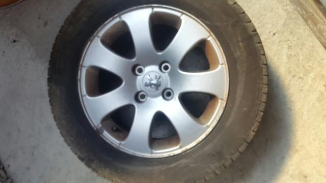 Jogo rodas originais 307 com pneus - Foto 6