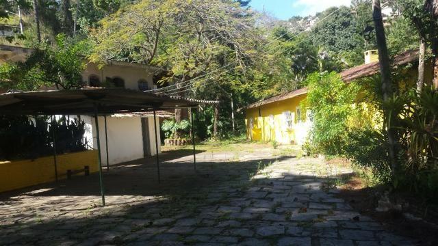 Casa em Itaipava ideal para construtores e investidores, com terreno de 5.000m2 planos - Foto 3