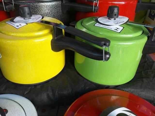 Panelas de pressão 4 litros meio