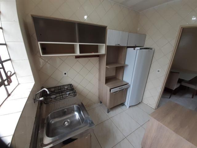 Apartamento com 01 dormitório, mobiliado, no centro de Passo Fundo - Foto 2
