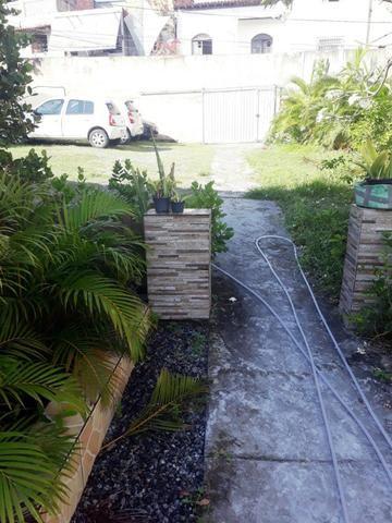2/4, casa ampla, varanda, garagem, próximo a Praia! Pituaçu! - Foto 11
