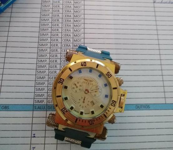 Vendo relógio invicta para retirada de peças porque não encontrei a pulseira