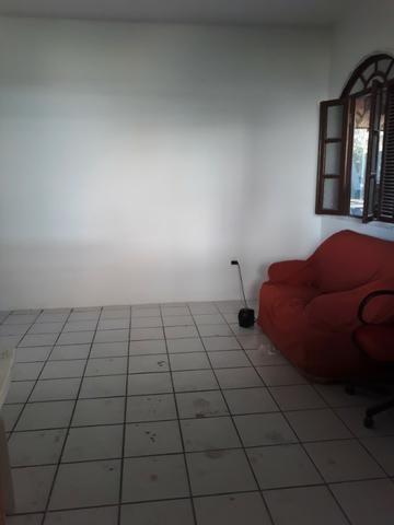 2/4, casa ampla, varanda, garagem, próximo a Praia! Pituaçu! - Foto 4