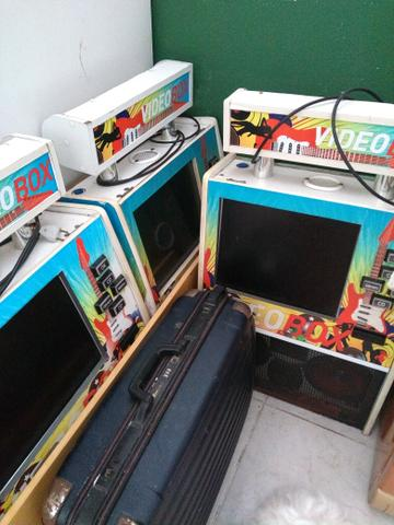 6 máquinas de música com noteiro e moedeiro falta placa mãe e HD - Foto 5