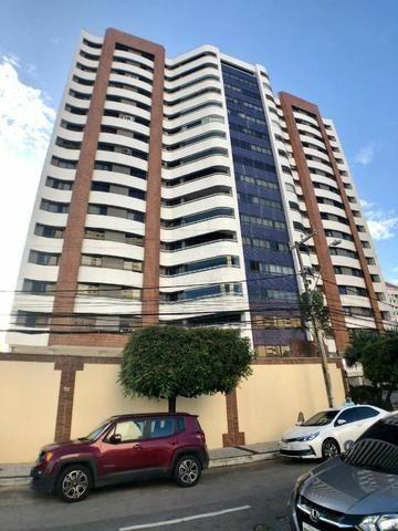 Apartamento no Guararapes - 192m² - 3 Suítes - 3 Vagas (AP0620) - Foto 3