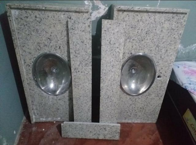 Pias de banheiro granito