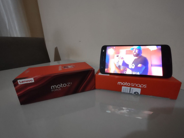 Celular Motorola Z² Force + Snap JBL c/ Bateria e tela na garantia - Foto 2