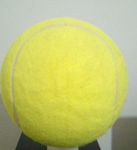 Kit Com 9 Bolas De Tênis Gigantes Guga Kuerten Com Defeito - Foto 3