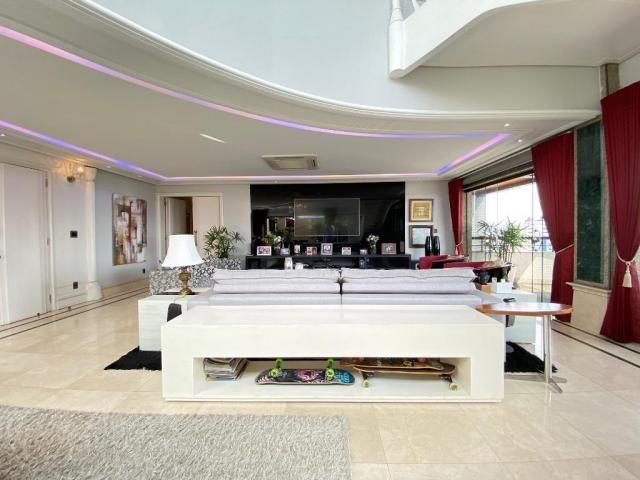 Cobertura espetacular com 495 m² privativos e 6 vagas de garagem - Foto 5