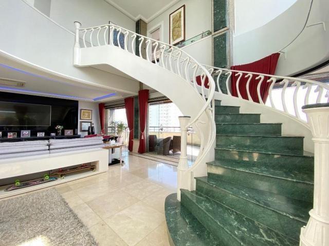 Cobertura espetacular com 495 m² privativos e 6 vagas de garagem - Foto 12