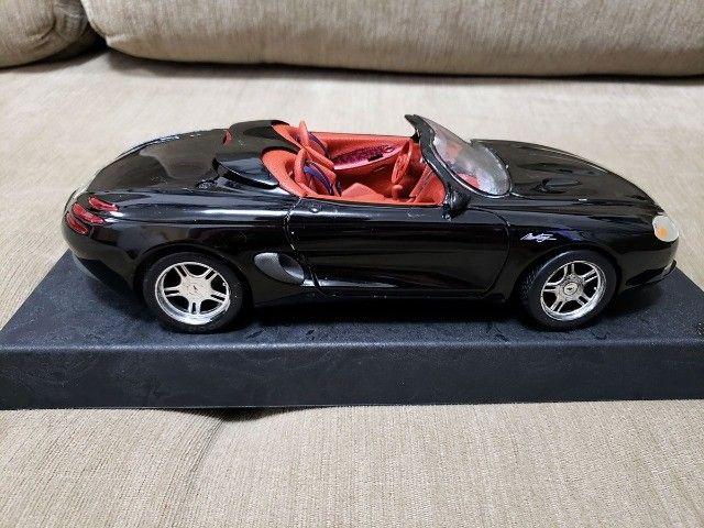 Miniatura Carro de Coleção Mustang Mach III Escala 1/18 - Foto 6