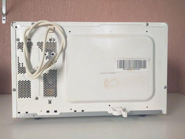 "Micro-ondas Electrolux ME28S "" 90 DIAS DE GARANTIA"" - Foto 6"