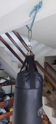 Saco de pancada profissional marca Panch. 0.90m - Foto 2