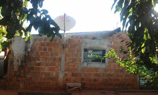 Casa, Vila Romana, sendo dois quartos, dois banheiros, sala, cozinha e varanda