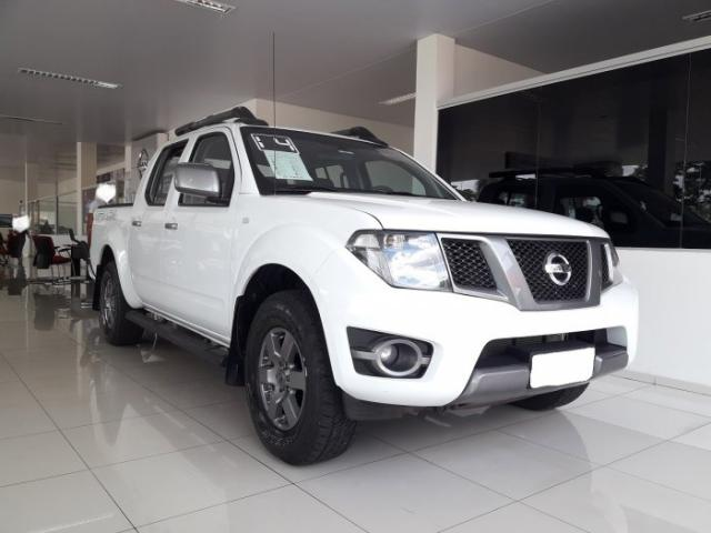 Nissan Frontier 2014 2.5 sv attack 4x4 cd turbo eletronic diesel 4p manual - Foto 2