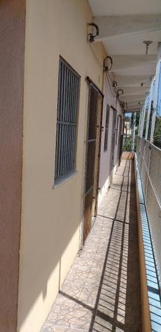 Vendo prédio de 3 pavimentos, c/8 kitinetes + ponto comercial, no Quintino Cunha - Foto 5