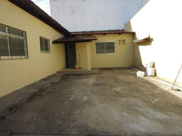 Casa  com 4 quartos - Bairro Jardim América em Goiânia - Foto 2