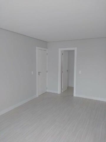 Apartamento suíte mais 01 dormitório com terraço no Bairro Jardim Itália - Foto 2