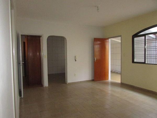 Casa  com 4 quartos - Bairro Jardim América em Goiânia - Foto 5