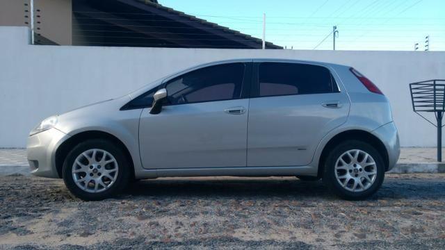 Fiat Punto ELX 1.4 2009/2010 Flex 8V, 5 portas, Cor prata