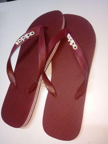 Chinelos e sandálias  - Foto 2