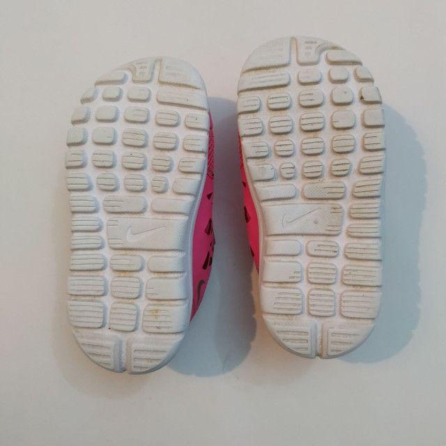 Nike infantil original tamanho 20 - Foto 4